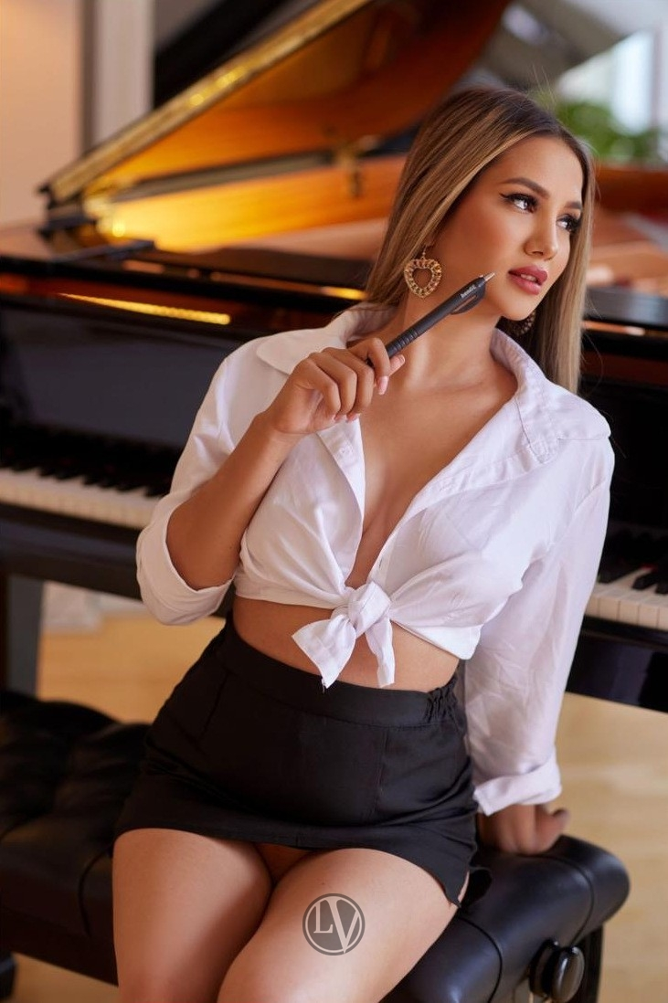 Escort Katherine showing why she is one of our most requested London ladies