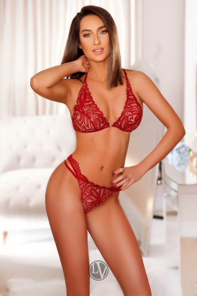 chelsea escorts, escort service london, adultworks, outcall escorts