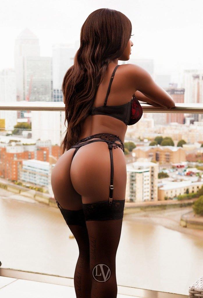 Nia is a ebony escort london in Baker street, british escorts